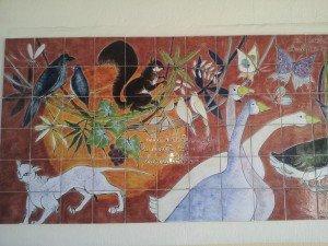 Détail de la fresque en céramique de Jean Camberoque - Ecole Michel Maurette à Caux-et-Sauzens (Aude)